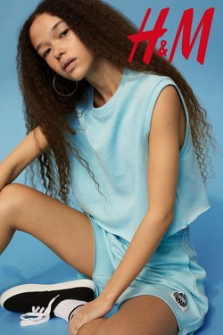 Clothes, shoes & accessories offers in H&M catalogue ( 6 days left)